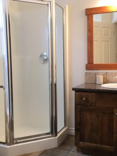 Master Ensuite with Shower