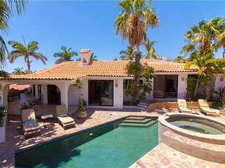 Cozy Villa Near Secluded Beach at Villa Estrella de Mar!