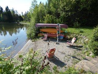 Maison au bord de l'eau avec plage privée