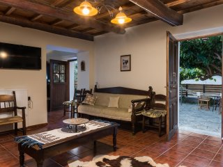 Maro's Village House. Private & Serene Stone Villa