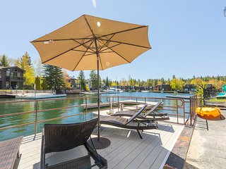 Waterfront home in Tahoe Keys, private hot tub & boat dock - Waterway Wonder