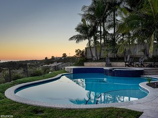 TROPICAL VIEW VILLA! Enjoy spectacular views of ocean bay city sunrise & sunsets
