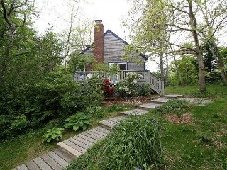 2BR Cottage w/ Artist's Garden – Near Beach, Restaurants, & Wellfleet Center