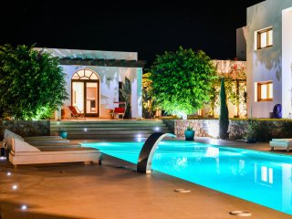 Spectacular villa in a privileged location