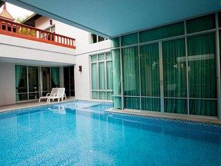 Nagawari 6 bedroom pool villa sleeps 16