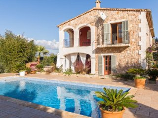 Quiet Villa  nestled among an olive grove