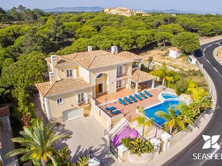 Villa Valentina, a Private 5 Bedroom Villa Located Just 1 Km From the Beach