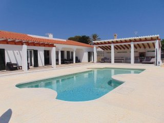 Luxury Villa in Binibeca with seaviews close to beach and good restaurants