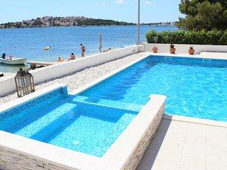 Villa Naranca - Beachfront - Heated Pool