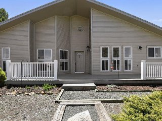 Easy Street is the perfect vacation home for your Pagosa Springs vacation.