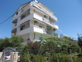 Apartments Ruza 7 - Studio, free Wi-Fi, balcony with seaview, beach: 250 metres