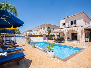 Ariana 2 Bedroom villa in Ayia Thekla with large pool area