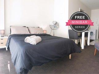 IscariotStudio in Auckland Central (FREE MiniBar)