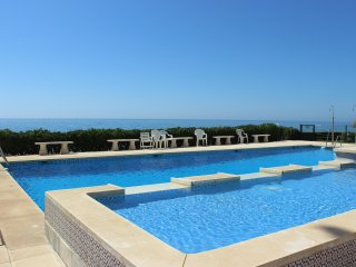 1979 - 2 bed beach front apartment, Estepona