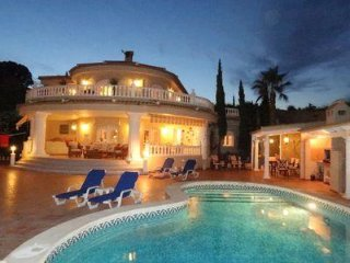 Stunning private villa residence in a popular resort on the Spanish Costa Blanca