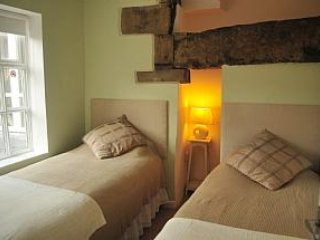 White Rose Holiday Cottage (2bed) Holmfirth Centre