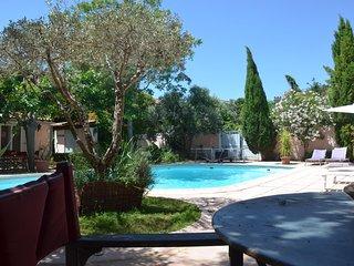 Très belle Maison pour 10 pers avec piscine.