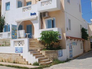 2rooms beach apartment for 4 persons with pool