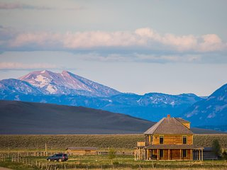 Vacation Rental Home on Remote Montana Ranch | Sweeping Mountain Views | Smith