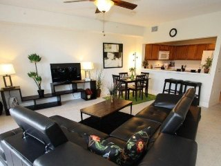 Waterfront 3 Bedroom 3 Bath Townhome in Ruskin FL. 3265MPD