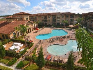 Gorgeous 3 Bedroom 3 Bath Condo Close to Disney. 904CP-531