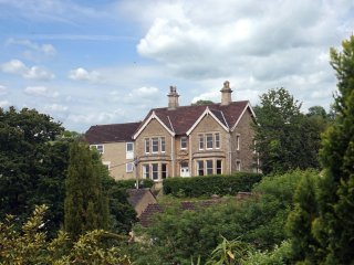 Lovely country house with stunning views, Nr Bath. Perfect for family groups