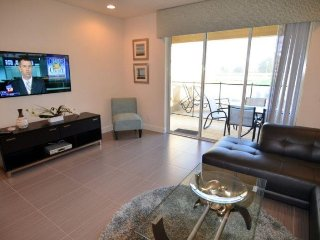 3 Bedroom Luxury Town Home With Private Pool. 17414PA