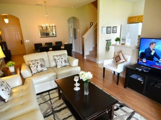 Luxurious 3 Bed 3 Bath Townhome Near Disney. 2112CA