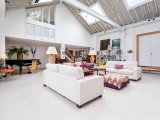 Veeve - Creative Studio House