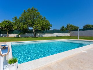 Villa Anavi with private pool and large garden