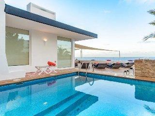 Casa con piscina para 6 en Roca llisa vista mar
