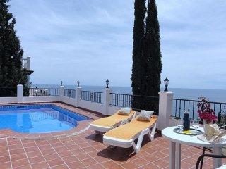 2B 2BTH AC WiFi Private pool villa Ladera del Mar II West Nerja T9898