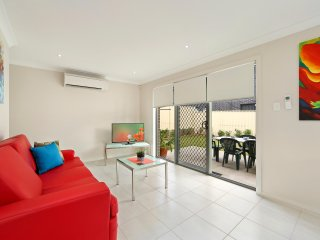 CITY LODGE 27 - SYDNEY Spacious 4Bdrm Wifi