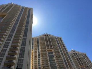 MGM Signature 2 Bedroom / 3 Bath Full Kitchen & Balcony