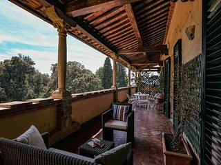 Florence Luxury and Relaxing artistic beautiful Home.