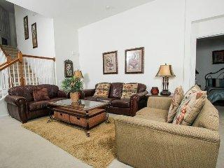 2647DS. Modern 5 Bedroom 5 Bath Pool home in Windsor Hills That Sleeps 12