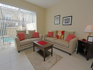 7668OS. Lovely 3 Bedroom 3 Bath Windsor Hills Resort Townhome