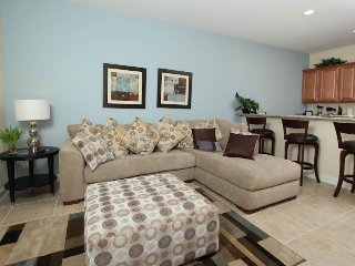 4 Bed 3 Bath Town Home 5 miles from Disney. 3067BP