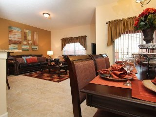 4 Bed 3 Bath Beautiful Town Home With Splash Pool. 3081BP
