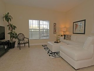5 Bed 4 Bath Paradise Palms Townhome Sleeps 10 In Style. 8967CAL