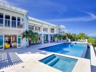 Dazzling 5-Star Oceanfront Villa w/ Private Pool + Concierge *****