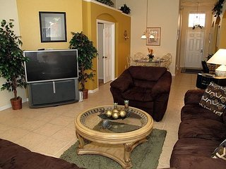 8190FPW. Spacious 4 Bedroom 3 Bath Pool Home Close to Disney