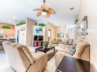 8104FPW. Gorgeous 4 Bedroom 3 Bath Pool Home in Windsor Palms Gated Resort
