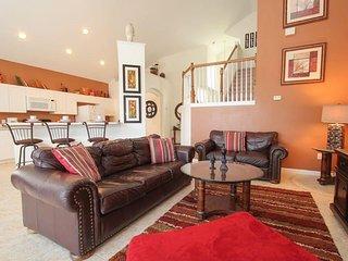 5 Bedroom 3 Bath Villa in the Windsor Palms Resort. 8176FPW