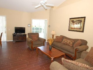 3 Bedroom 2 Bath Tuscan Hills Pool Home with Games Room. 852BD