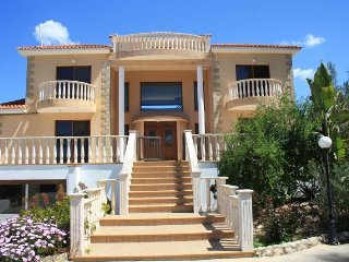 A Beautiful villa with approx. 400 covered sqm2 can be booked for your vacation.