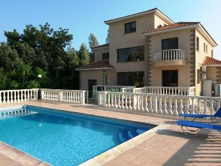 A Beautiful villa with approx. 400 covered sqm² can be booked for your vacation.