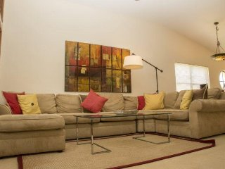 2971CGC. Elegant 3 Bed 2 Bath Town Home in Ventura Country Club