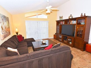 814OCB. Lovely 4 Bedroom 3 Bath Watersong Pool Home