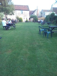 The Seven Stars pub next door serves delicious food and has a lovely pub garden and petanque court.